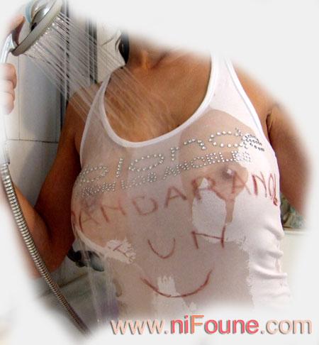 t-shirt mouillé